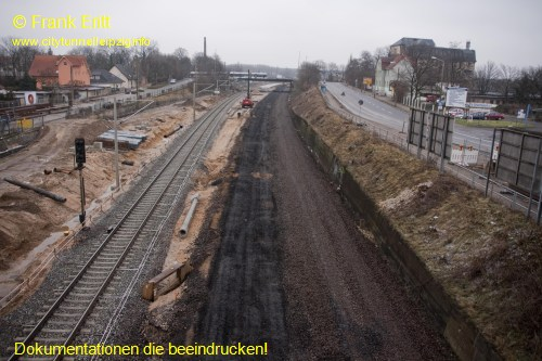 Strecke Leutzsch-Markranst�dt - Blick von der Fu�g�ngerbr�cke Ludwig-Hupfeld-Stra�e nach Norden