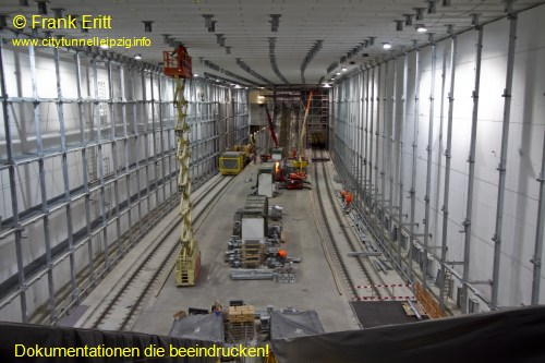 Eingang Treppenaufgang Süd - Blickrichtung Nord